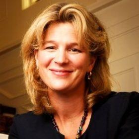 Julie Zelle